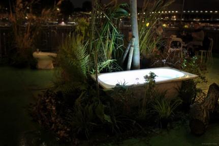 Vue de l'installation - Nuit Blanche, Petit Bain, Paris